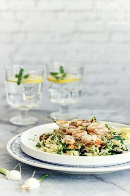 Orzo salata sa kozicama