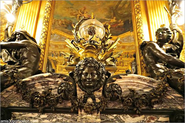 Decoraciones de la Chimenea del Gran Salón de Marble House, Newport