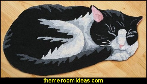 Hand-Hooked Black And White Cat Area Rug