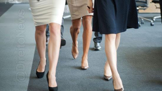 regras rgidas roupas mulheres tribunais direito