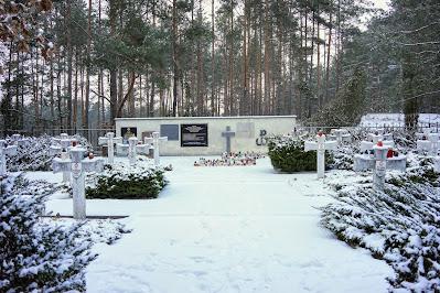Cmentarz wojskowy w Wierszach