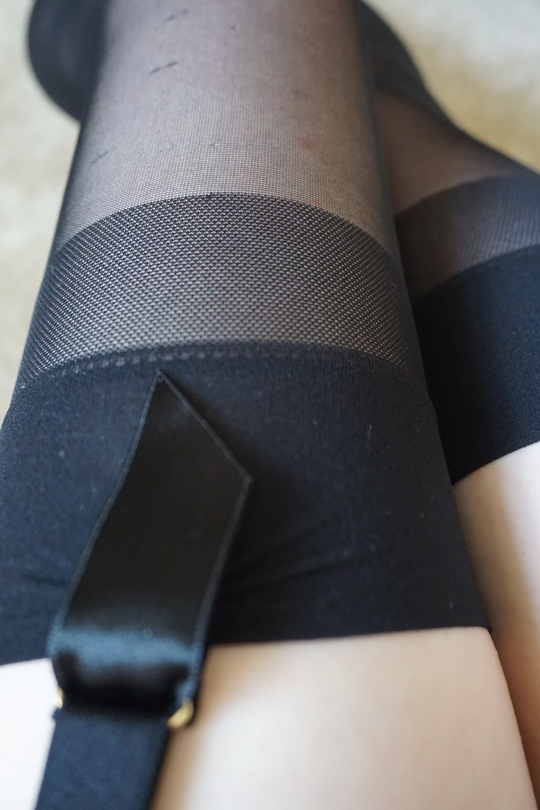 Shop apssocial.ml for the largest selection of top quality pantyhose, hosiery, sheers, tights, knee hi's, shapewear and socks for women and plus size women.