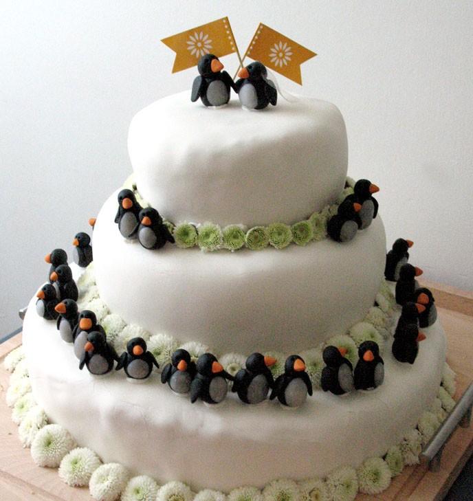 The Weird World Of Strange & Bizarre Wedding Cakes