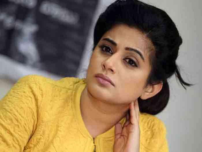 Netizen asks Priyamani's photo, the actress gives a fitting reply!, Kochi, News, Cinema, Entertainment, Actress, Social Media, Kerala