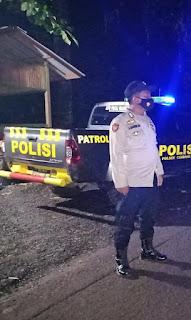 Jam Rawan Ganguan Kamtibmas, Polsek Cendana Polres Enrekang Laksanakan Patroli Blue Light