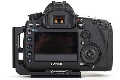 Sunwayfoto PCL-5DIII L Bracket on Canon 5D MK III back view