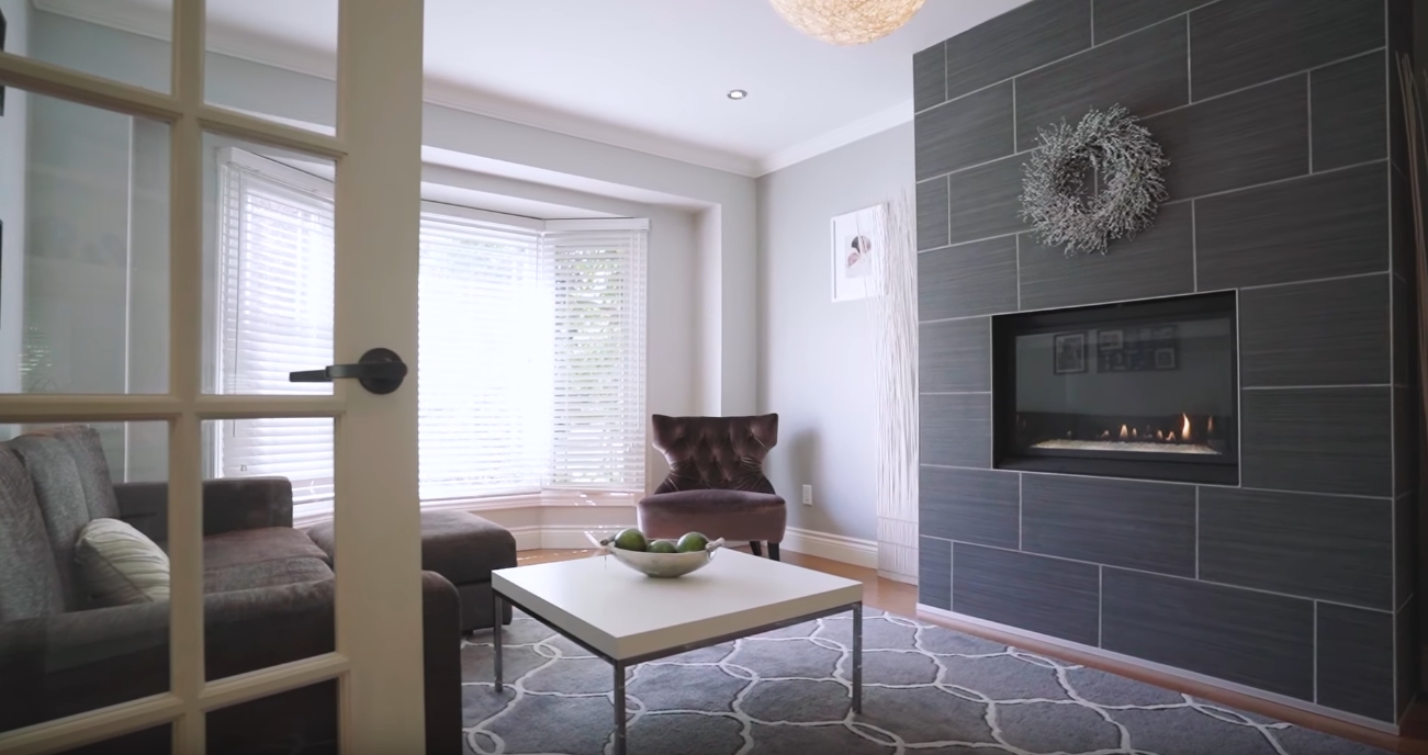13 Photos vs. 3022 Pettigrew Crescent, Mississauga, ON - Luxury Home & Interior Design Video Tour