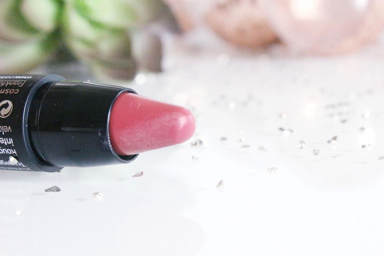 matt-lip-artist-catrice