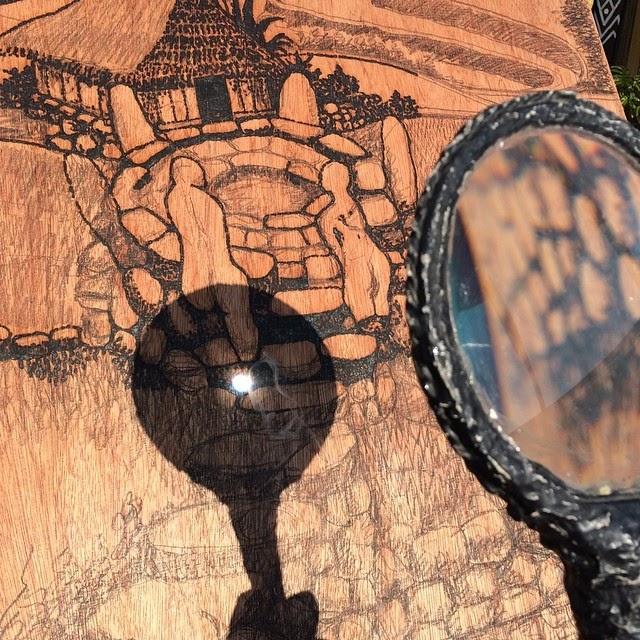 02-Jordan-Mang-osan-Magnifying-Lens-Pyrography-Solar-Drawings-www-designstack-co