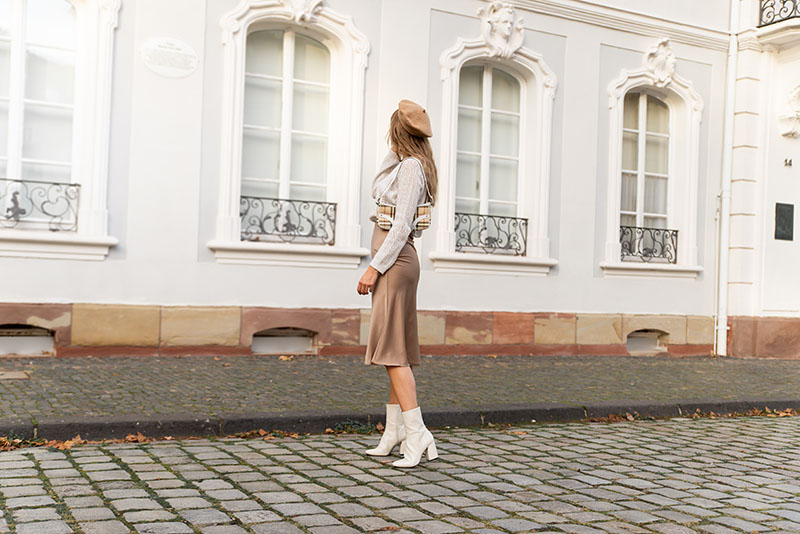 best neutral outfit idea how to wear beige