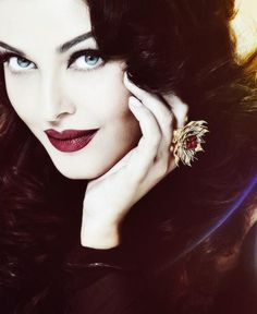 Aishwarya Rai And Her Beautiful Ring