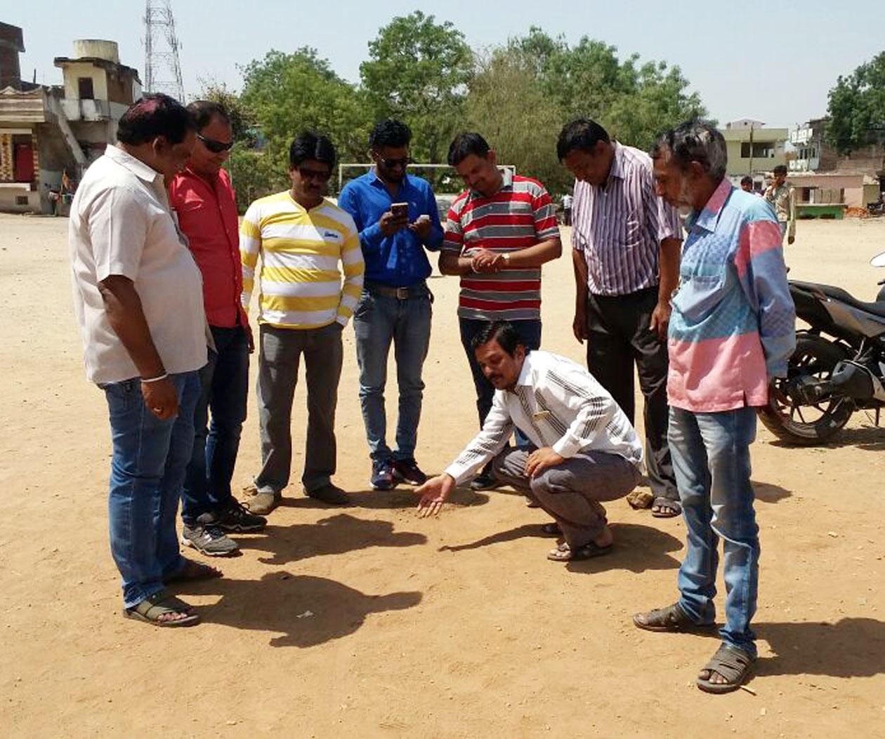 Preparations-for-the-five-day-cricket-tournament-organized-b-sakal-vyapari-sangh-व्यापारियों के लिए आयोजित पांच दिवसीय क्रिकेट टूर्नामेंट की तैयारियां जोरो पर