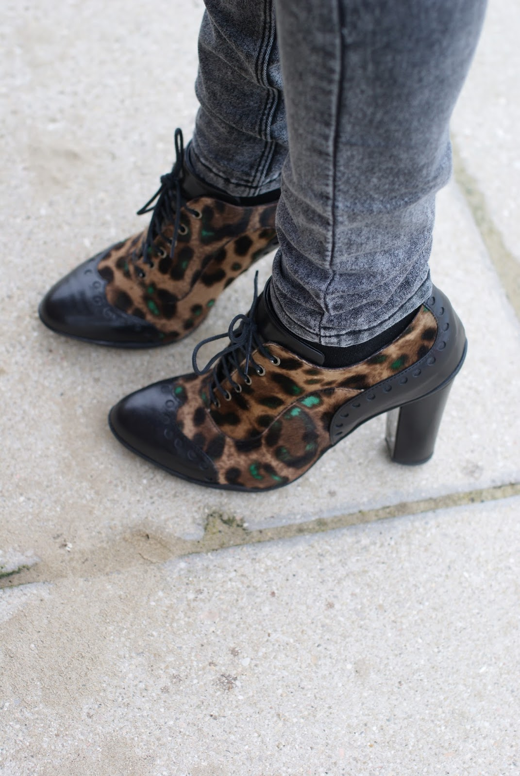 Roberto Botticelli leopard pony hair oxford francesine on Fashion and Cookies fashion blog, fashion blogger style