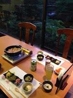 這是我們第一晚的晚餐,一日的疲勞後,看到這樣的豚肉鍋!而且飲品任飲XD