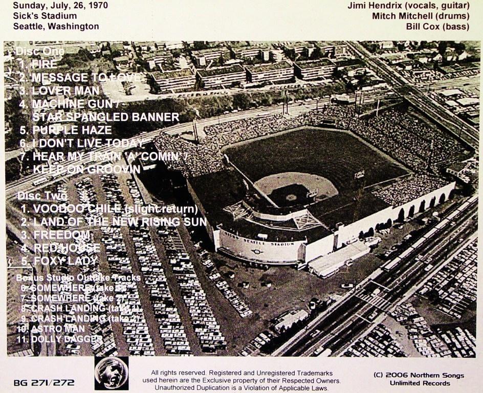 jimi hendrix in concert sick 39 s stadium seattle wa july 26 1970. Black Bedroom Furniture Sets. Home Design Ideas