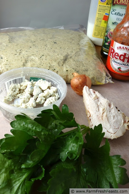 http://www.farmfreshfeasts.com/2013/07/buffalo-chicken-on-buttermilk-pesto.html