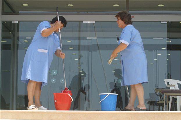 Χαλκίδα: Πληρώθηκαν οι καθαρίστριες των σχολείων