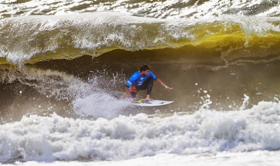 35 2014 Moche Rip Curl Pro Portugal Alejo Muniz Foto ASP Damien%2B Poullenot Aquashot