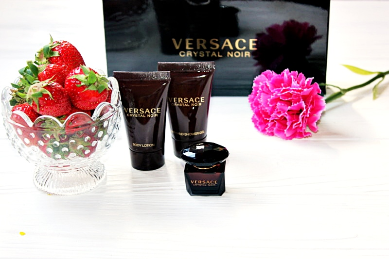 Versace Crystal Noir Подарочный набор / обзор, отзывы