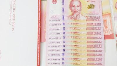 Tiền 100 đồng lưu niệm
