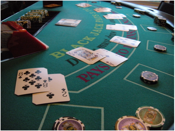 Some Benefits and Reasons to Play Online Poker Games