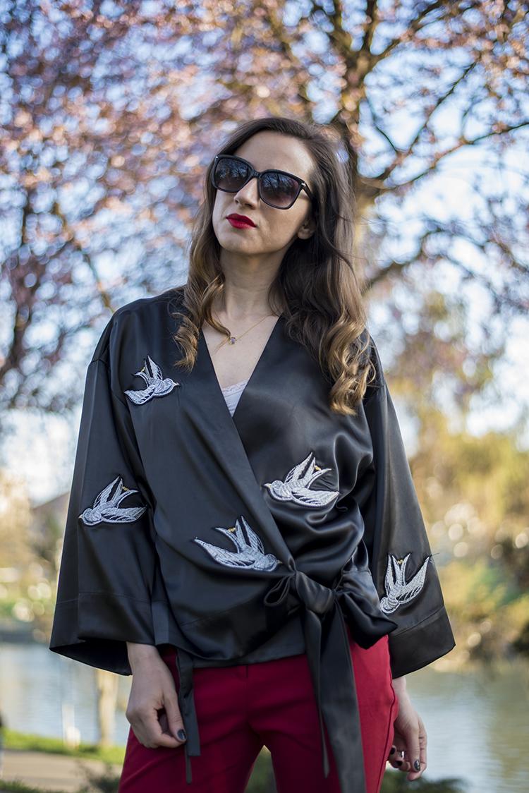Bowknot Bird Embroidered Kimono