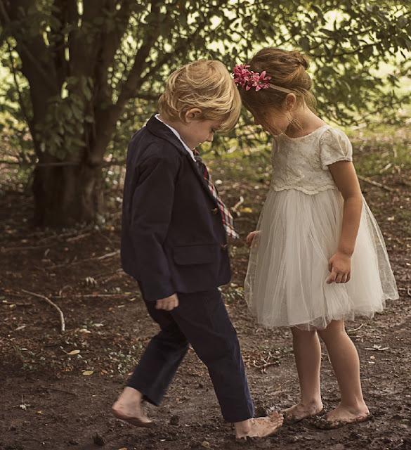 Nenas con vestidos de fiesta moda invierno 2017. Nenes con trajes invierno 2017.