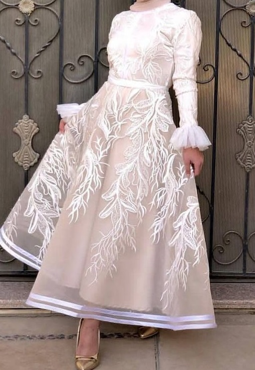 فستان سوارية ابيض