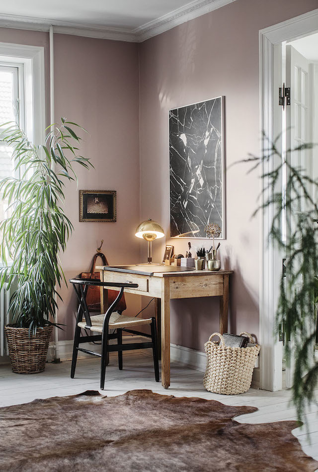 Home office with pastel colors