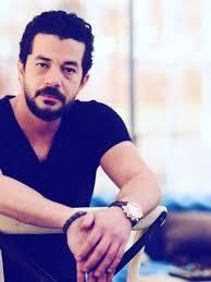 شاهد حقيقة انفصال الممثل شريف سلامة عن زوجته داليا مصطفى