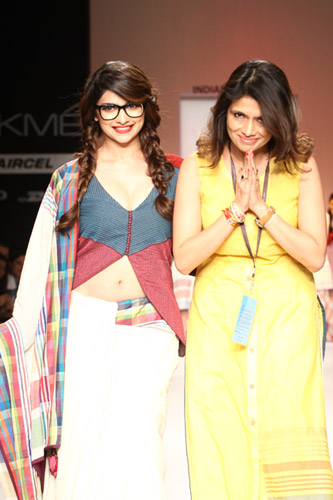 Prachi Desai walks for Shruti Sancheti at Lakme Fashion Week 2013