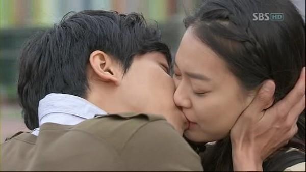 Nụ hôn của các ngôi sao Hàn Quốc