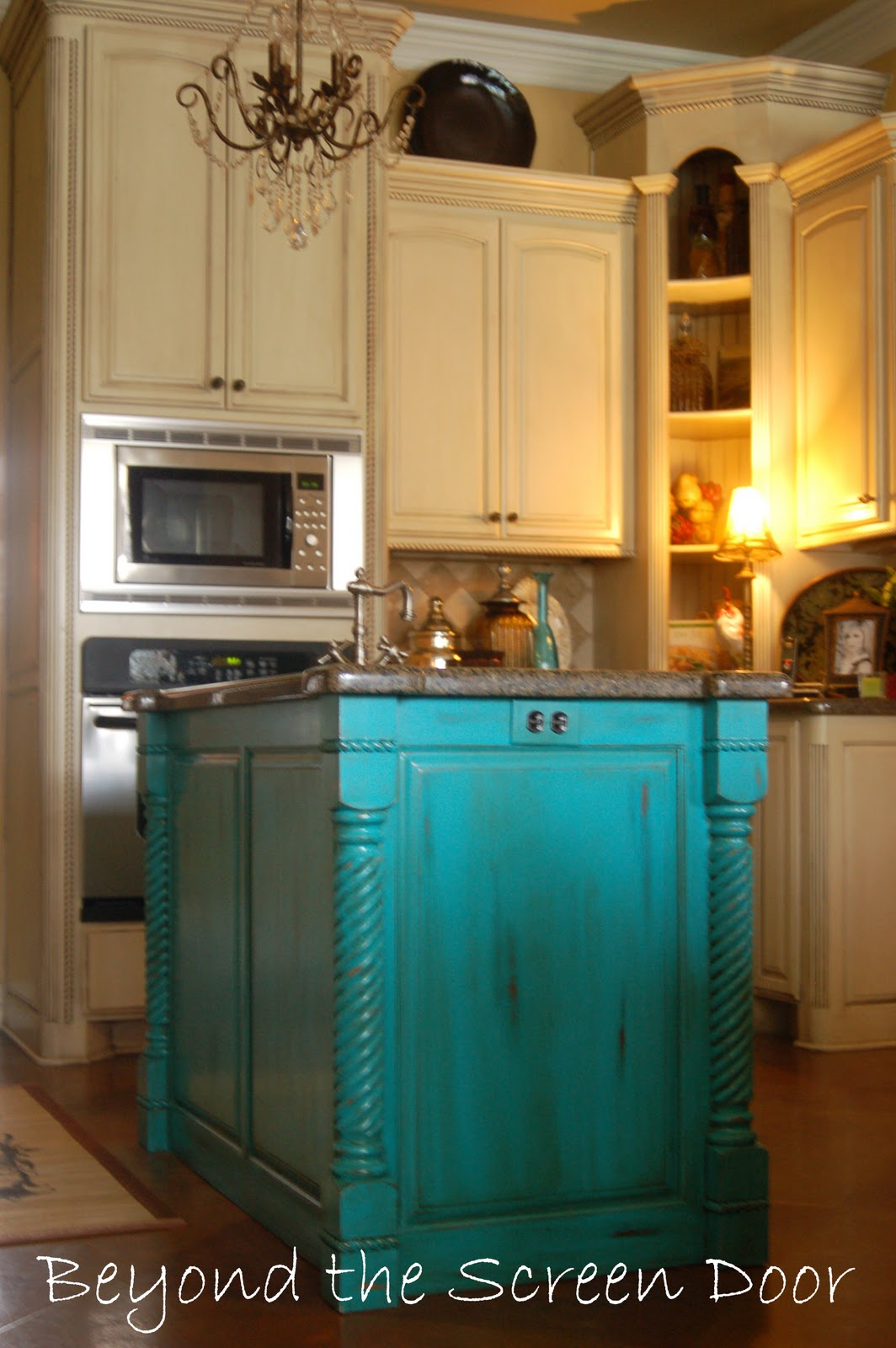 Beyond the Screen Door: More Turquoise Front Doors