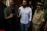 Vivek Oberoi and Riteish Deshmukh Promoting Their movie Bank Chor~  Exclusive 22.JPG