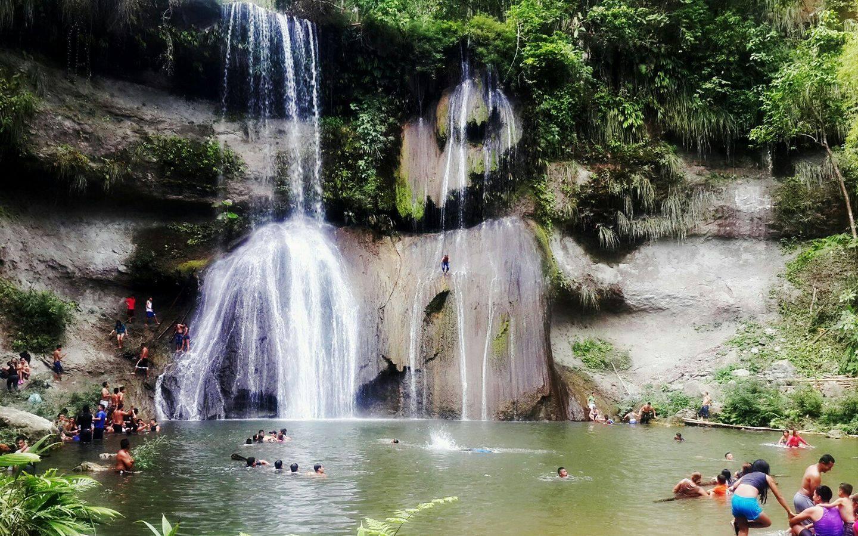 Turismo en Manabí la Cascada El Salto De Oro