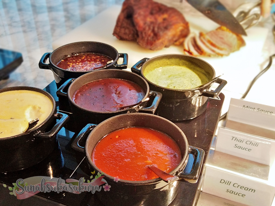 Family Friday Buffet Dinner di Holiday Inn Johor Bahru City Centre Berbaloi-baloi dengan Harganya
