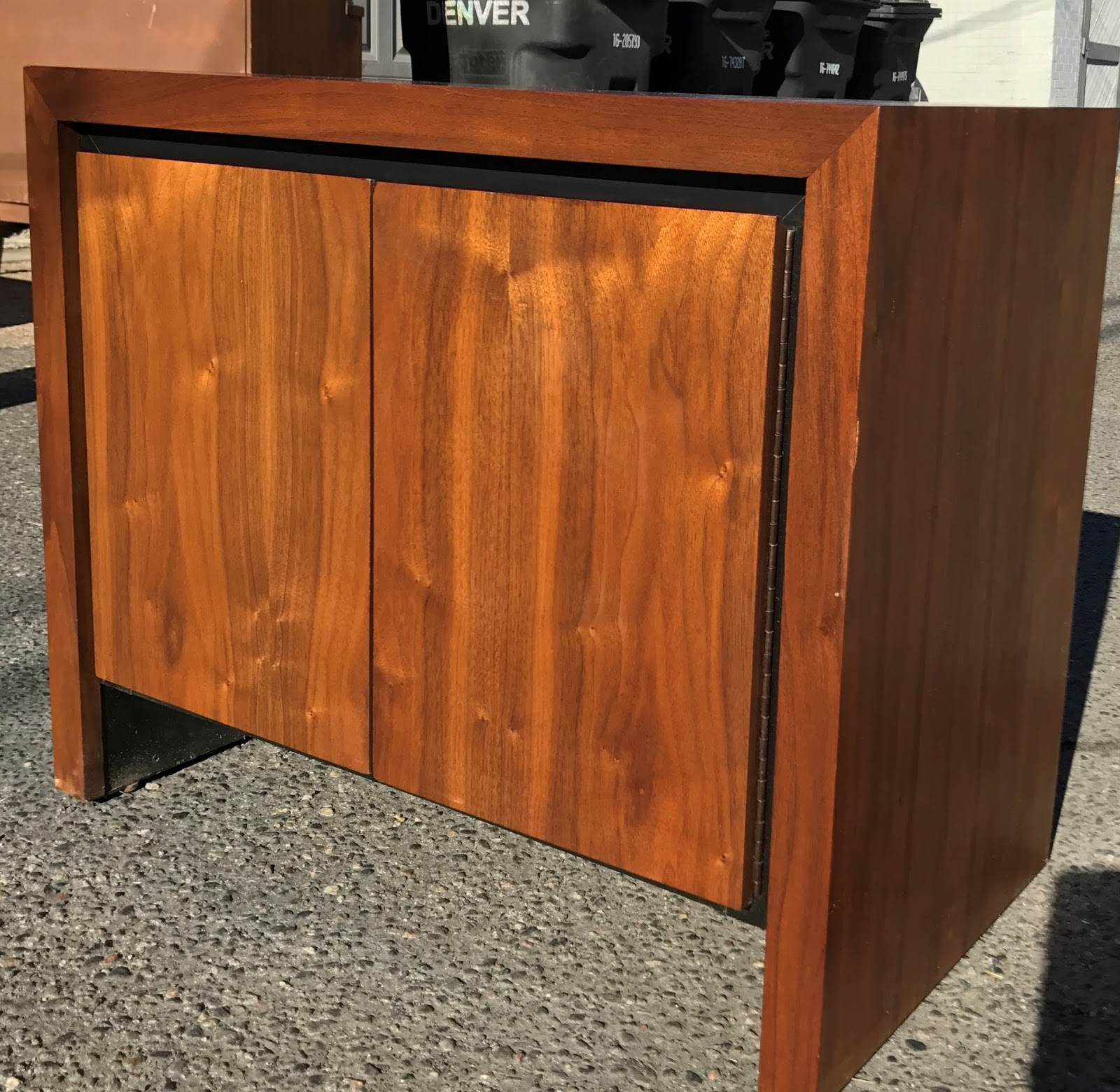 f5fa3683b8cf8 Dillingham Walnut End Table Night Stand by Milo Baughman SOLD ...
