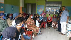 Ratusan Umat Muslim di Samosir Terima Sembako dari VR