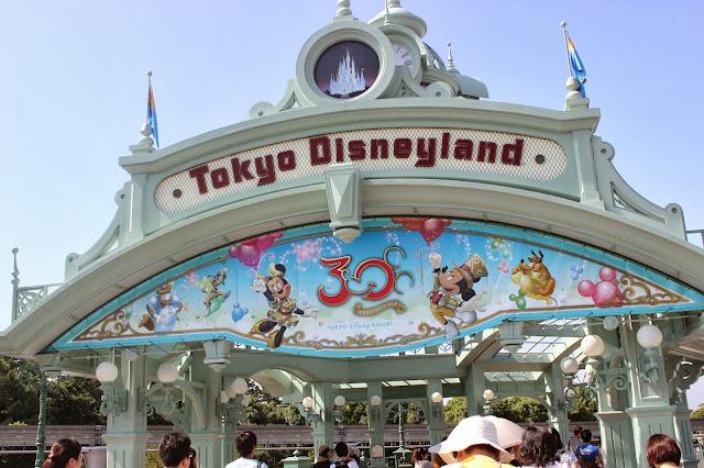 Visiting Tokyo Disneyland 30th Anniversary