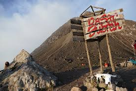 6 Kisah Mitos Gunung Merapi Yang Sempat Geger