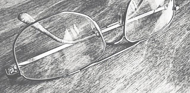 Окуляри. Як почистити лінзи