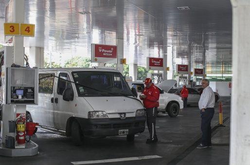 Precio del combustible aumenta hasta 7 % más en Argentina