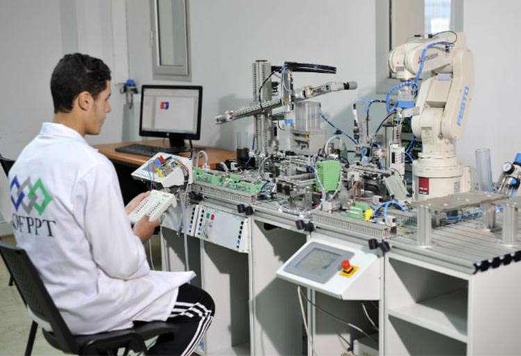 المعهد العالي للتكنولوجيا التطبيقية في طنجة يحرم الطلبة من شواهدهم