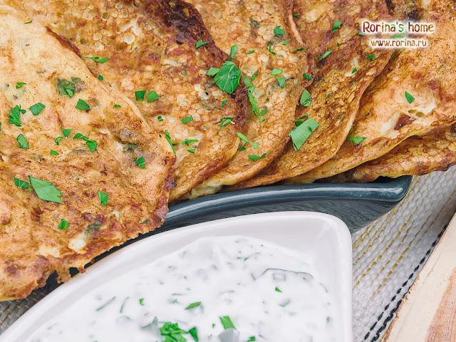 Самые вкусные кабачковые оладьи с сыром на сковороде: рецепт с фото