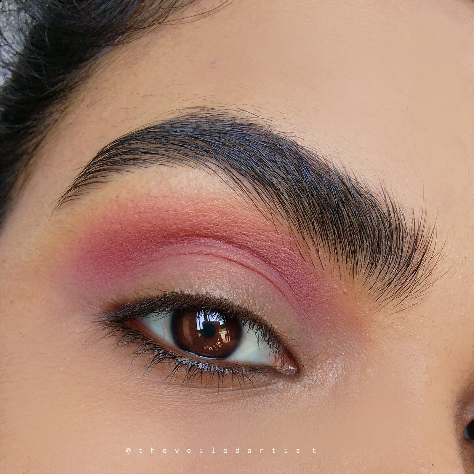 Classic glittery holiday glam makeup tutorial ft a lot of glitter loose glitter eye makeup look baditri Image collections
