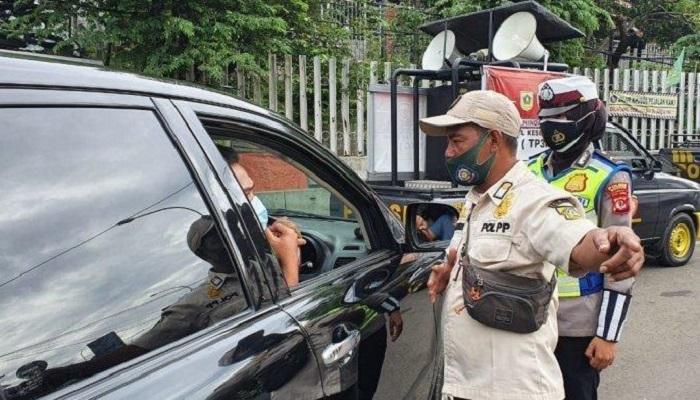 Libur Imlek di Jabar : Tak Bisa Tunjukkan Hasil Swab, Kendaraan Harus Putar Balik