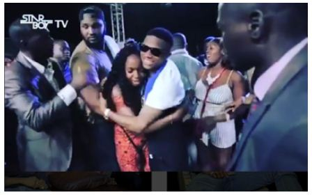 Girl cries emotionally after coming face to face with Wizkid during Sierra Leone tour.