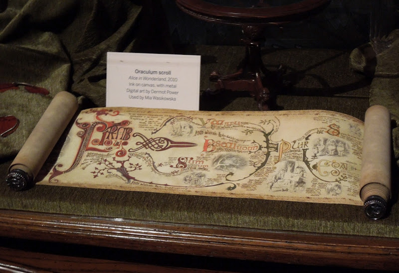 Alice Wonderland Oraculum Scroll prop