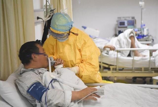Tin vui: Bệnh nhân đầu tiên trên thế giới thử nghiệm thành công thuốc trị virus Corona chủng mới