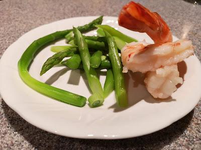 Asparagus and jumbo shrimp salad